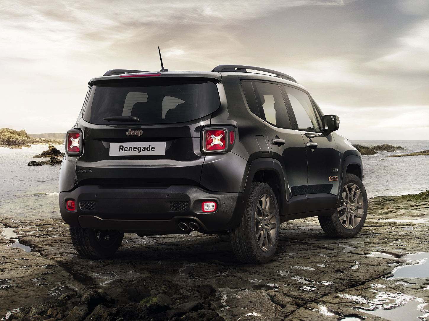 Jeep Renegade Th Anniversary on 2016 Jeep Grand Cherokee