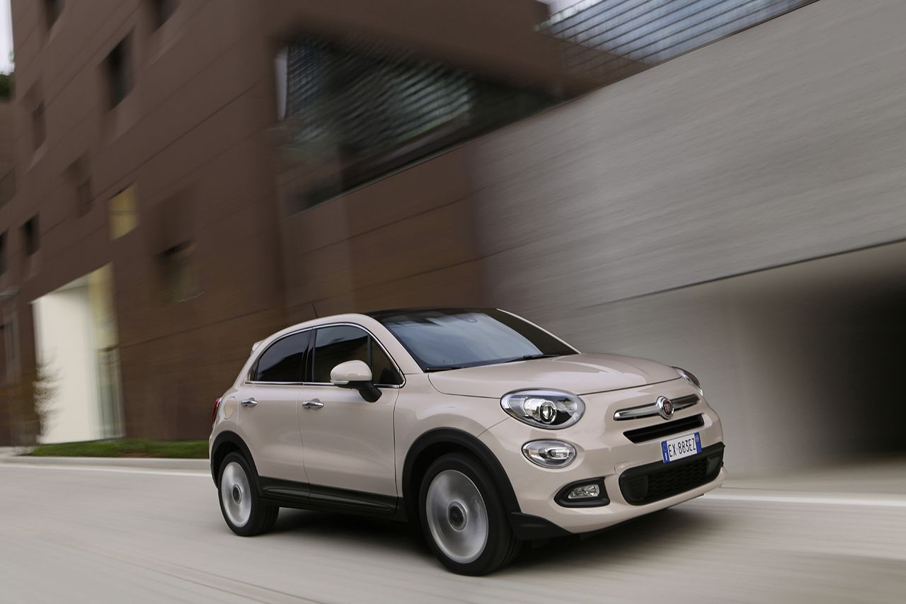 la nouvelle fiat 500x est d sormais disponible avec le. Black Bedroom Furniture Sets. Home Design Ideas