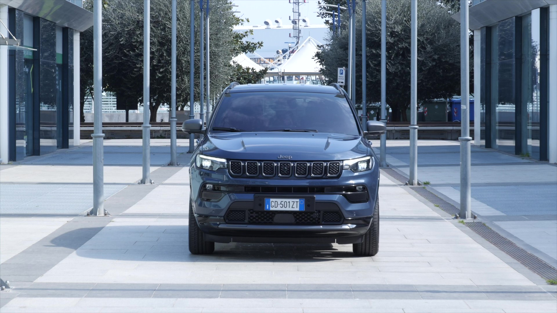 Footage New Jeep® Compass 80th (Blue Shade)