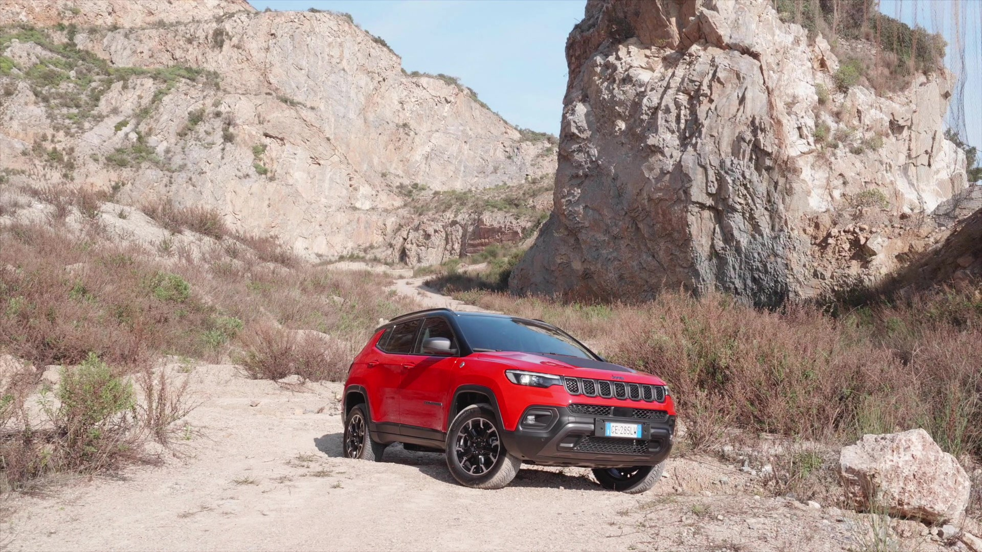 Footage New Jeep® Compass Trailhawk (Colorado Red)