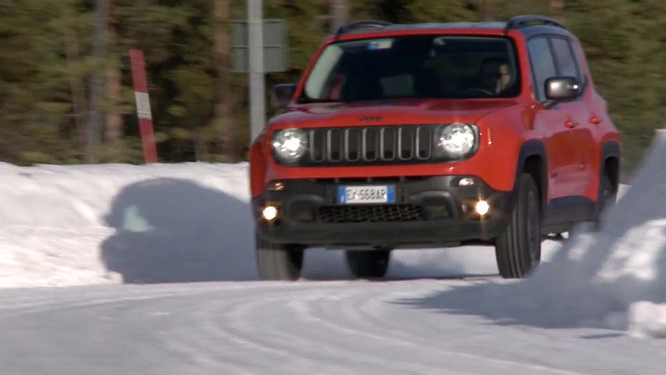 Jeep Renegade on ice
