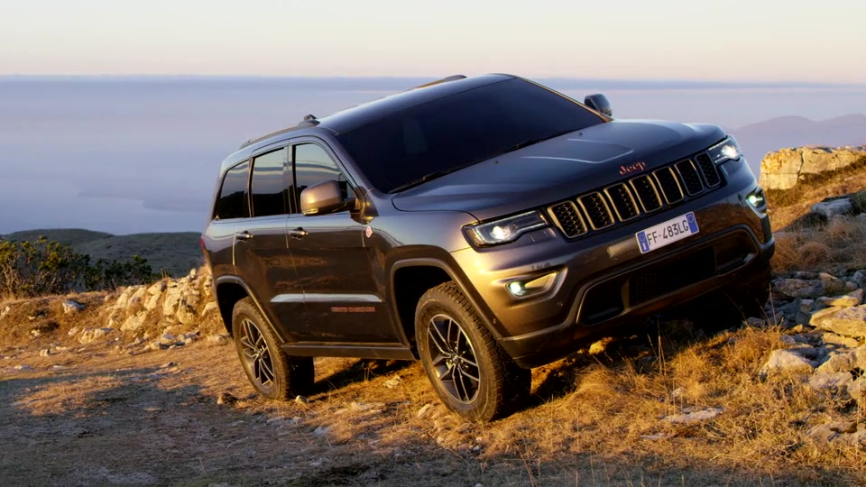 2017 Jeep Grand Cherokee - footage
