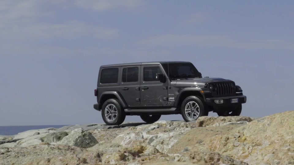 Clip Jeep Wrangler Sahara Unlimited
