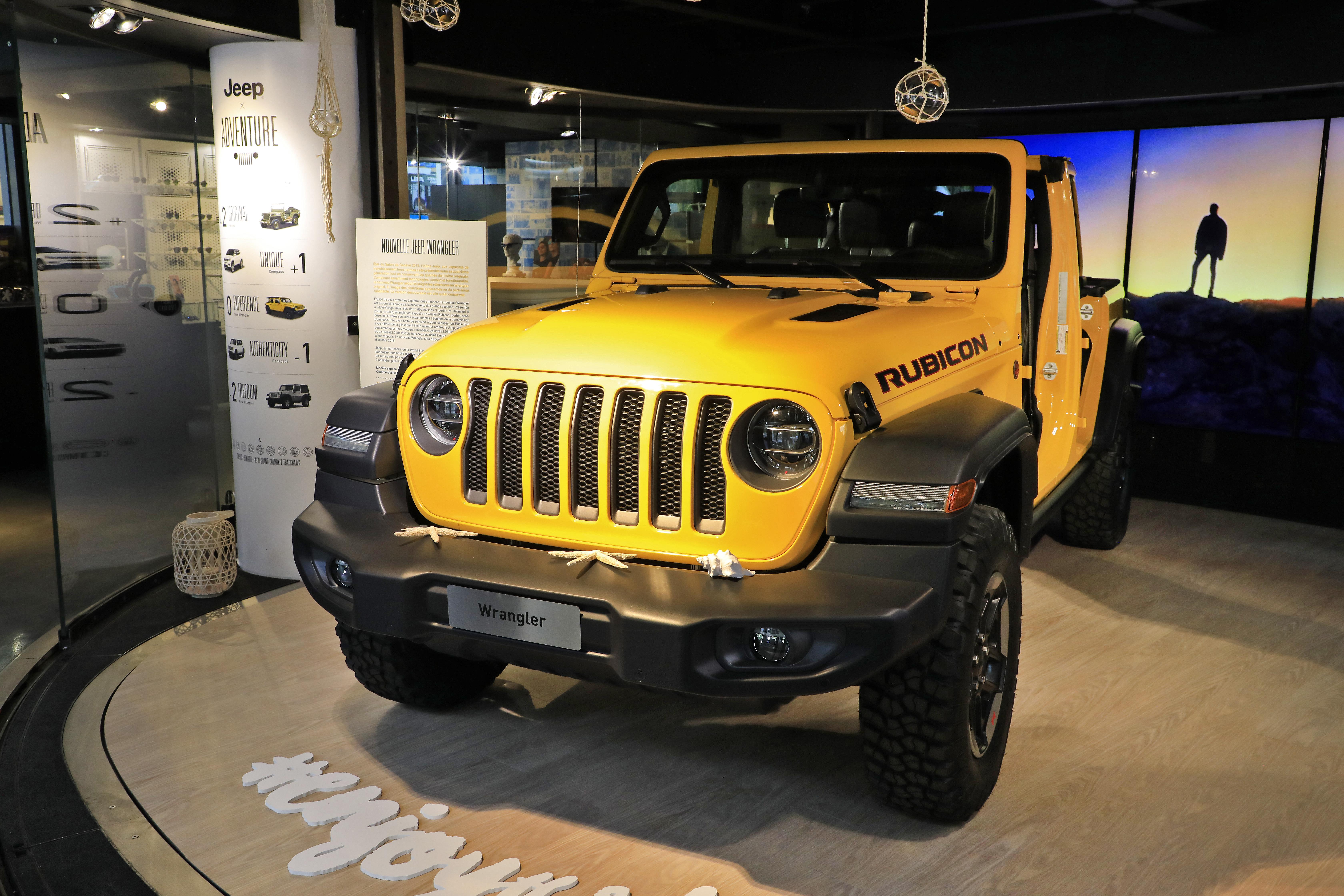 nouvelle exposition jeep adventure motorvillage champs elys es communiqu s de presse fiat. Black Bedroom Furniture Sets. Home Design Ideas