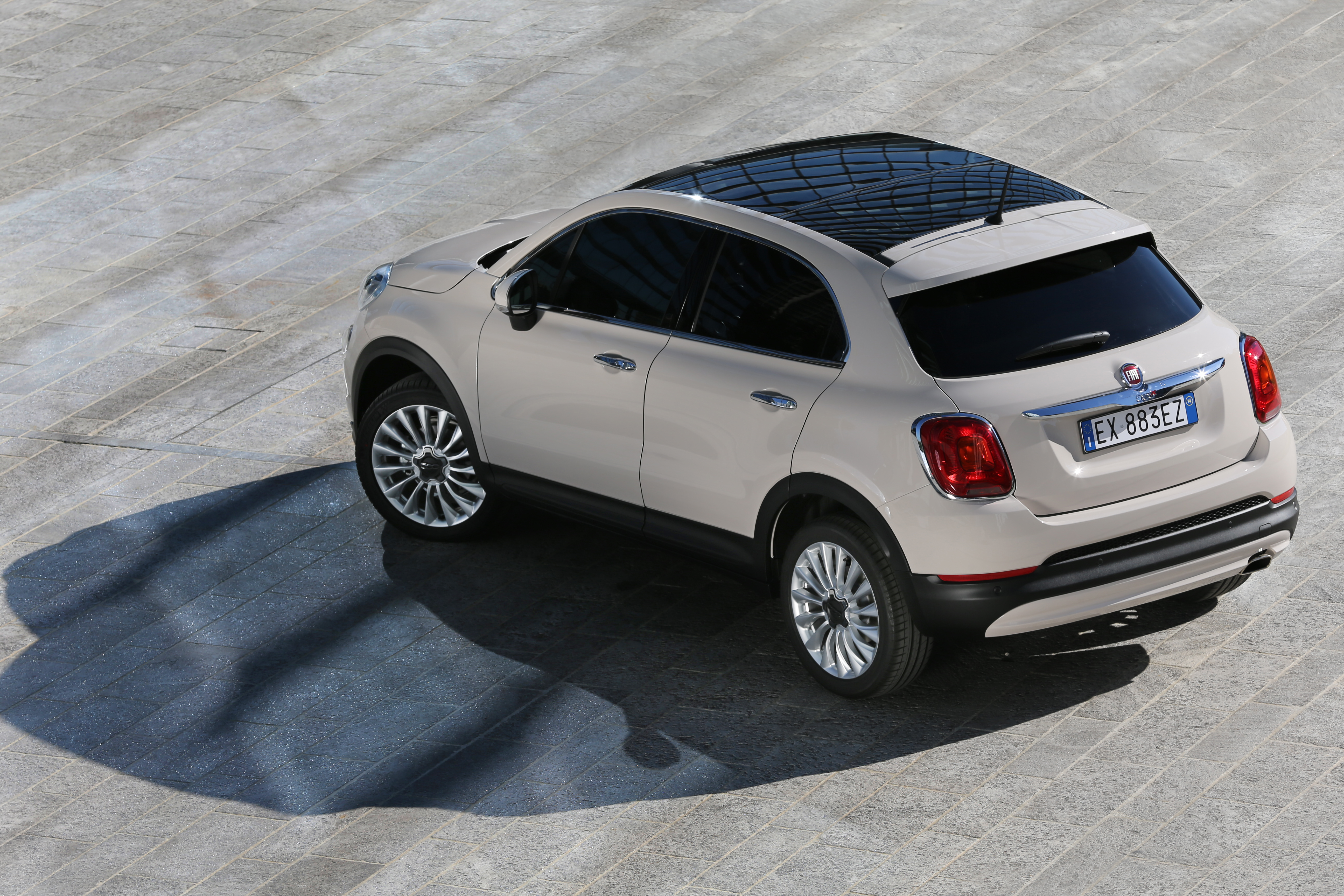 dossier de presse le nouveau crossover fiat 500x. Black Bedroom Furniture Sets. Home Design Ideas