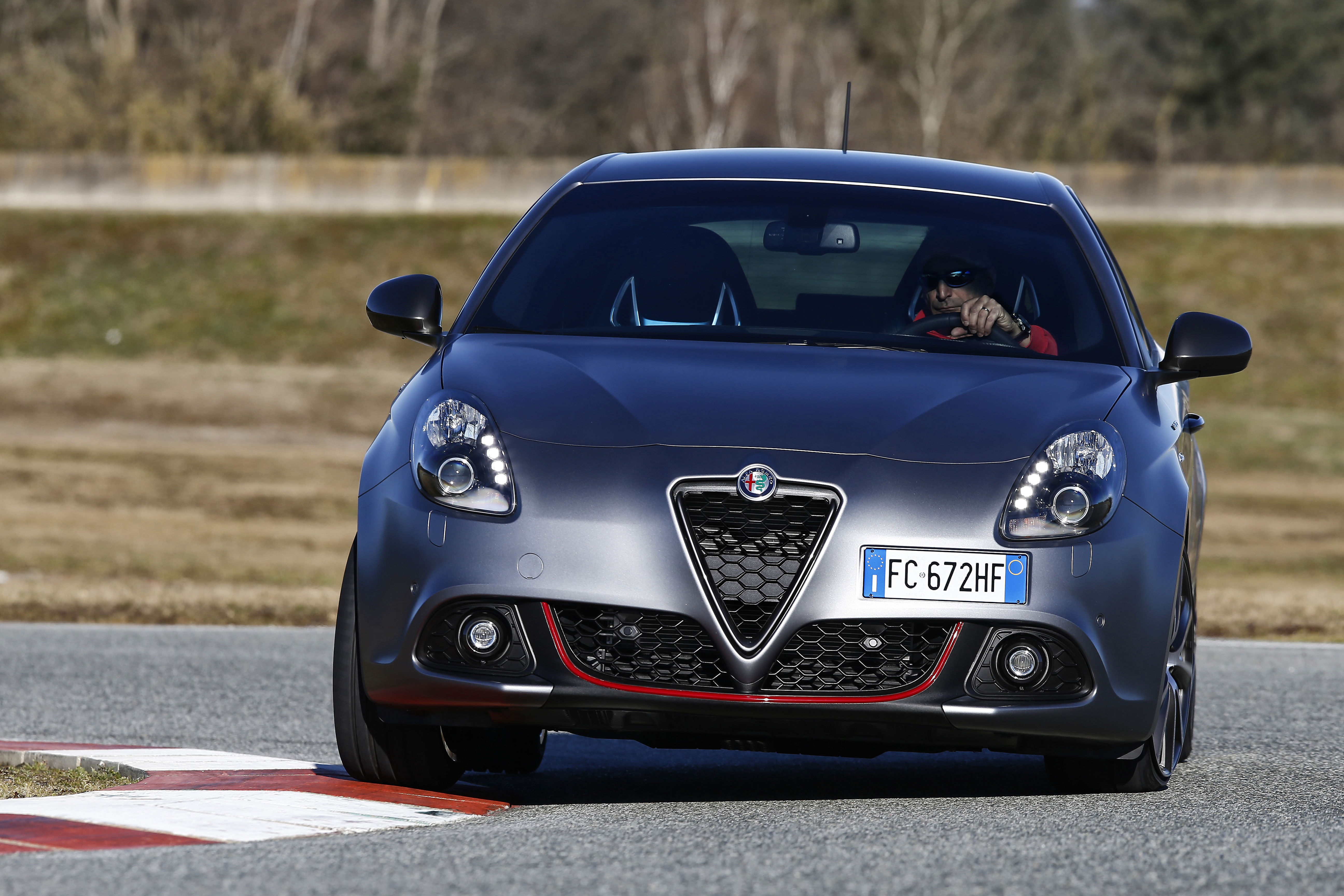 alfa romeo 4c restyling with 663 on Honda Nightwing in addition 80945 in addition Mazda Mx 5 Vence World Car Of The Year moreover Render Alfa Romeo Giulietta Restyling additionally Alfa Romeo Quadrifoglio Verde Un Segno Distintivo 78912.