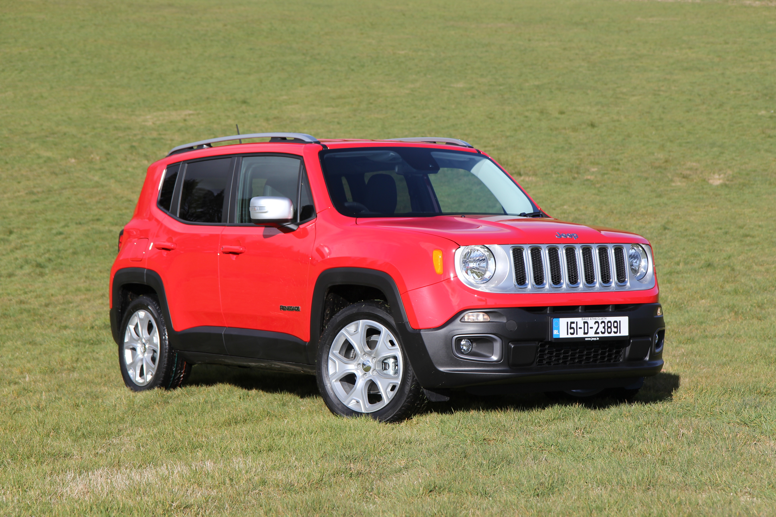 all new jeep renegade jeep s first compact suv is launched in ireland press fiat group. Black Bedroom Furniture Sets. Home Design Ideas