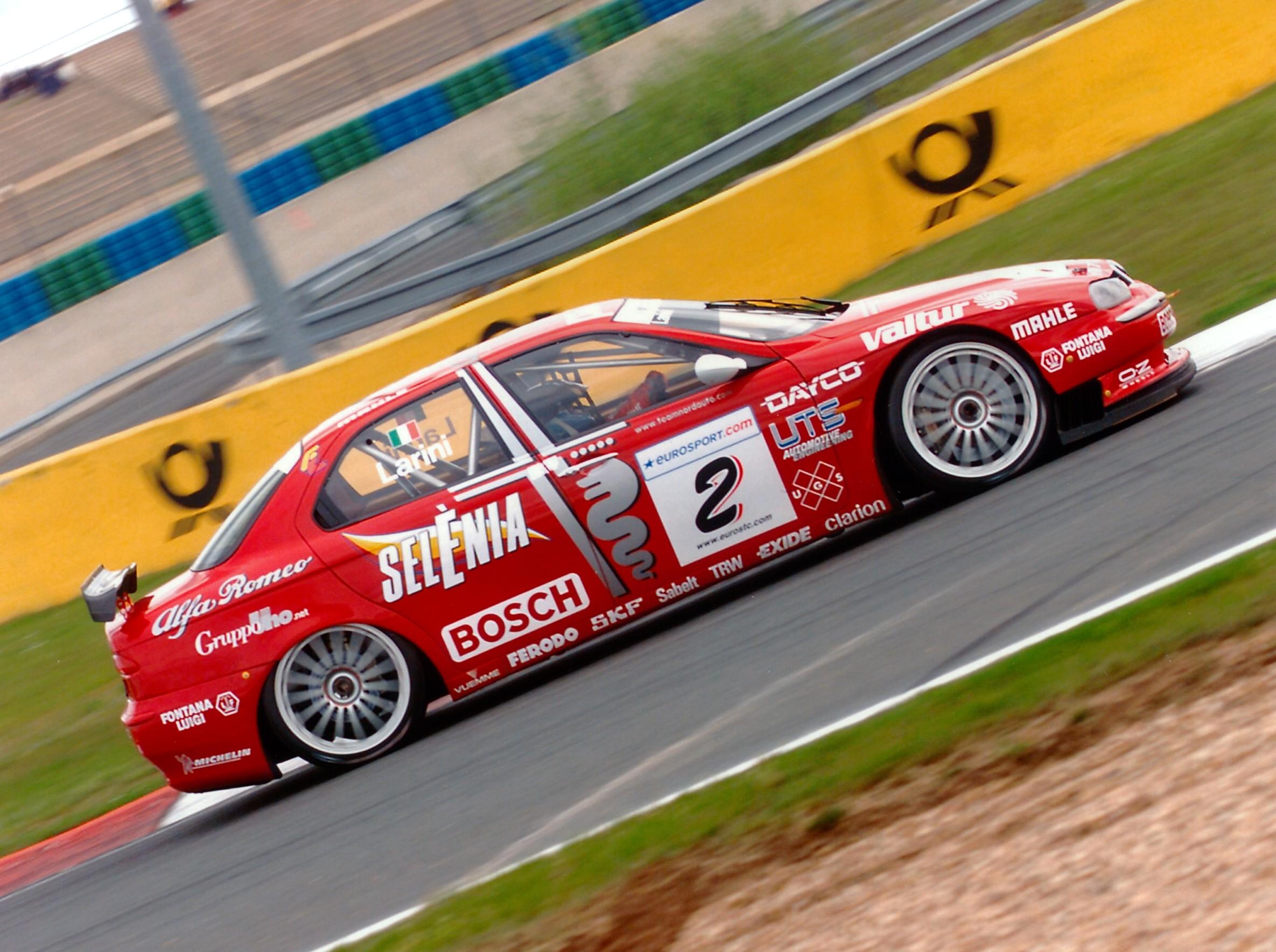 Alfa Romeo 156 Btcc Super Touring Car: ALFA 156 SUPERTOURING TEAM IN UK