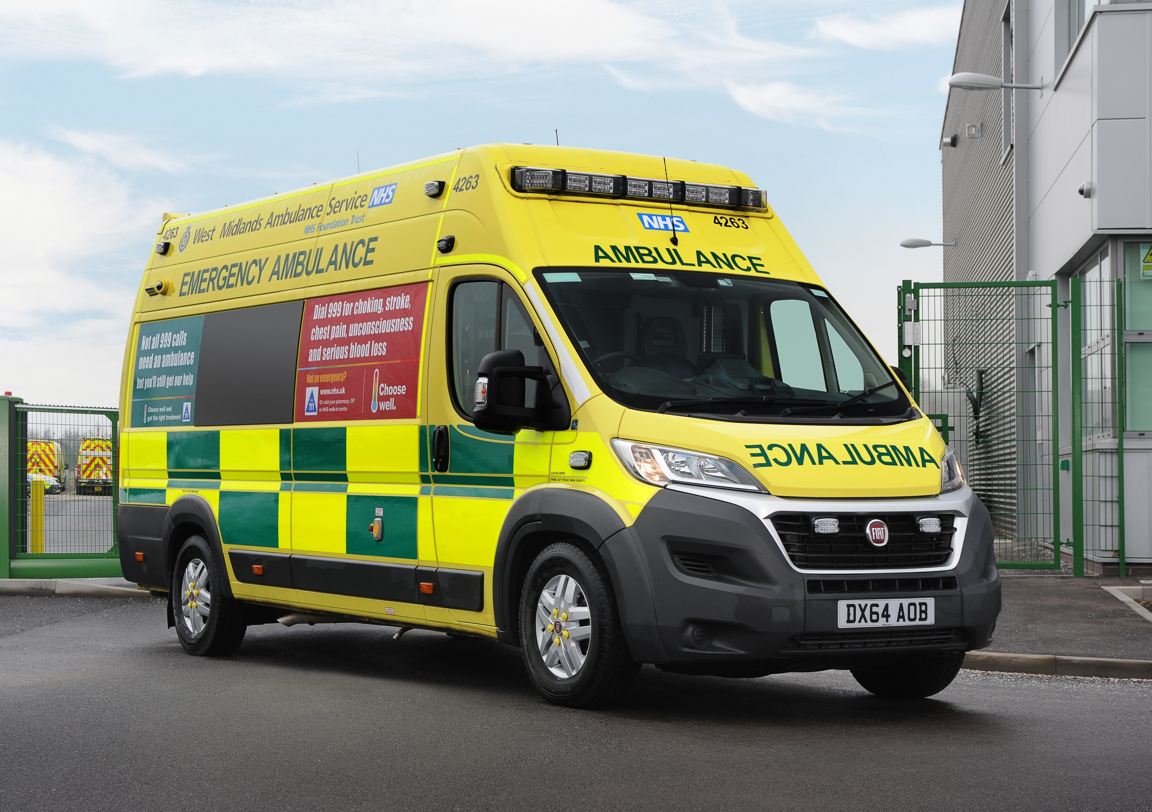 2015 Jeep Grand Cherokee >> WEST MIDLANDS AMBULANCE SERVICE CHOOSES FIAT DUCATO MAXI FOR ITS NEW FLEET OF AMBULANCES - Press ...