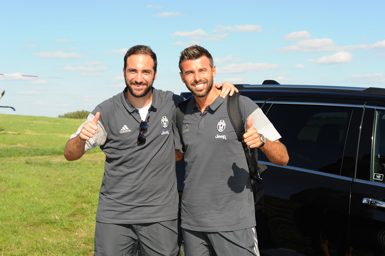 Juventus Stars Help Kick Off Grand Opening Of New Thames