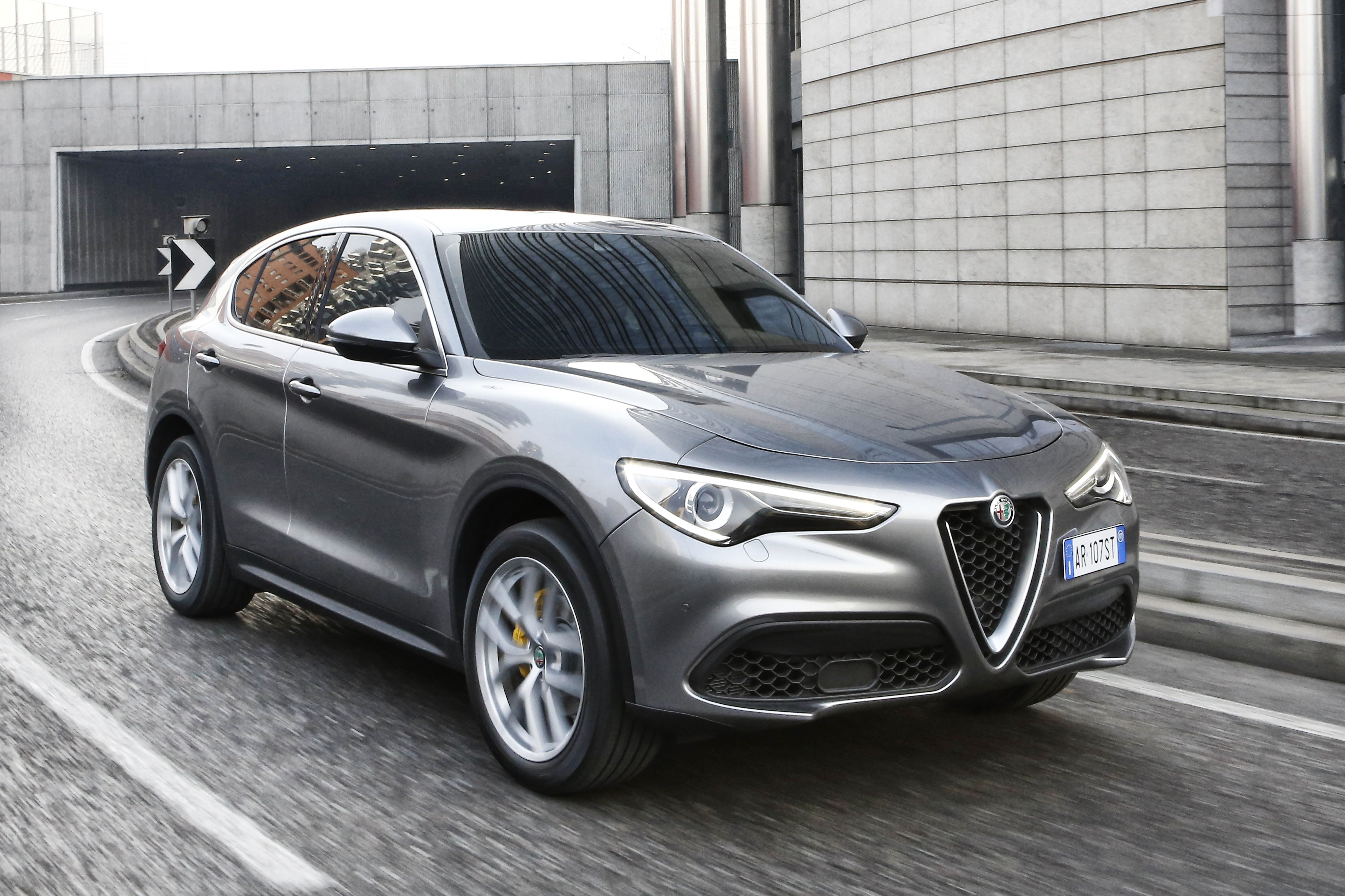 alfa romeo unveils stelvio for first time in europe press fiat group automobiles press. Black Bedroom Furniture Sets. Home Design Ideas