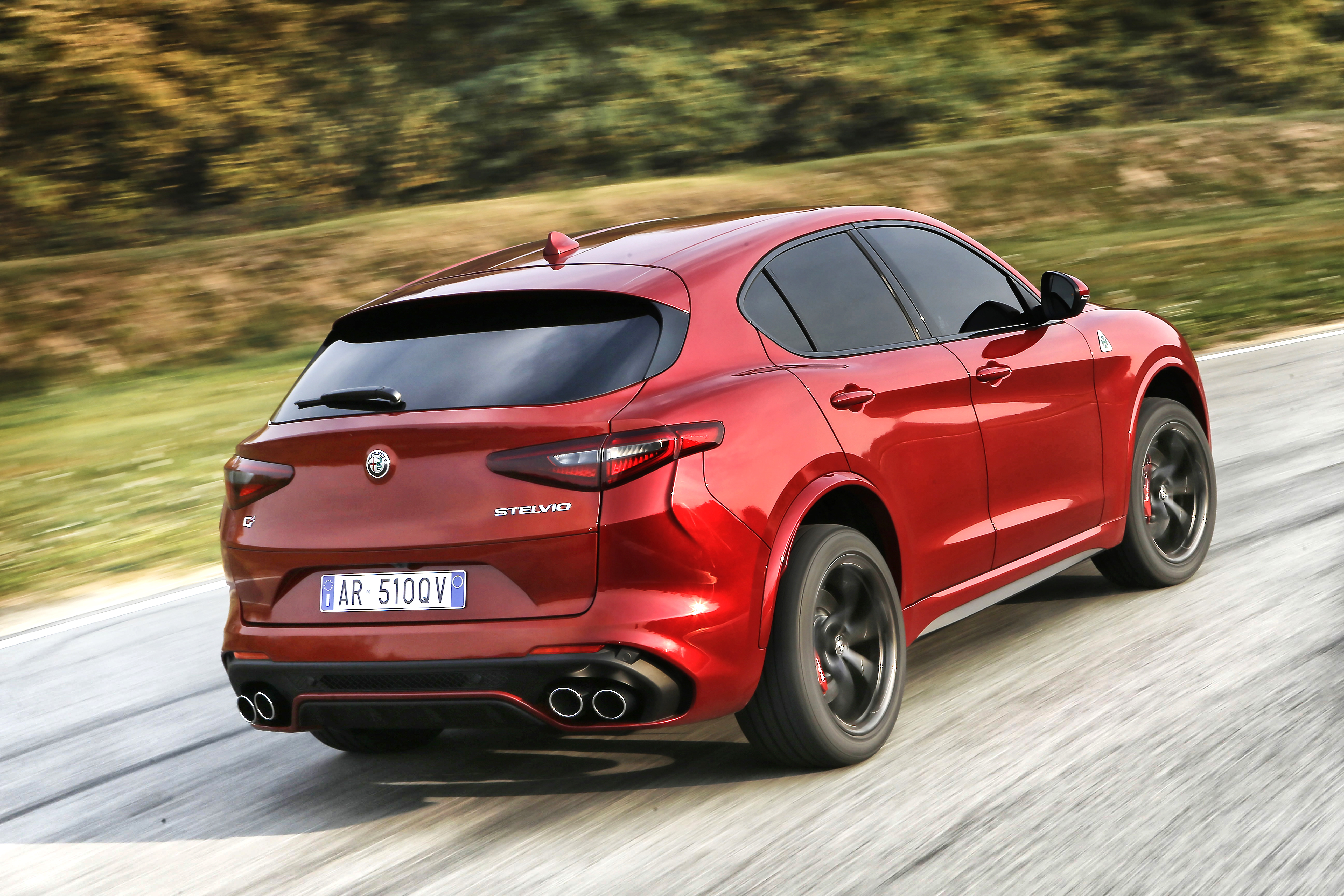 the new alfa romeo stelvio quadrifoglio press fiat. Black Bedroom Furniture Sets. Home Design Ideas